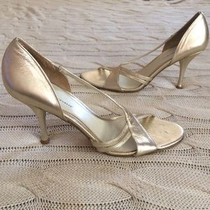 Banana Republic Metallic Heels✨